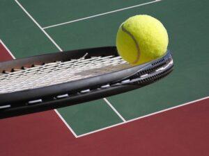 Wady i zalety gry w tenisa